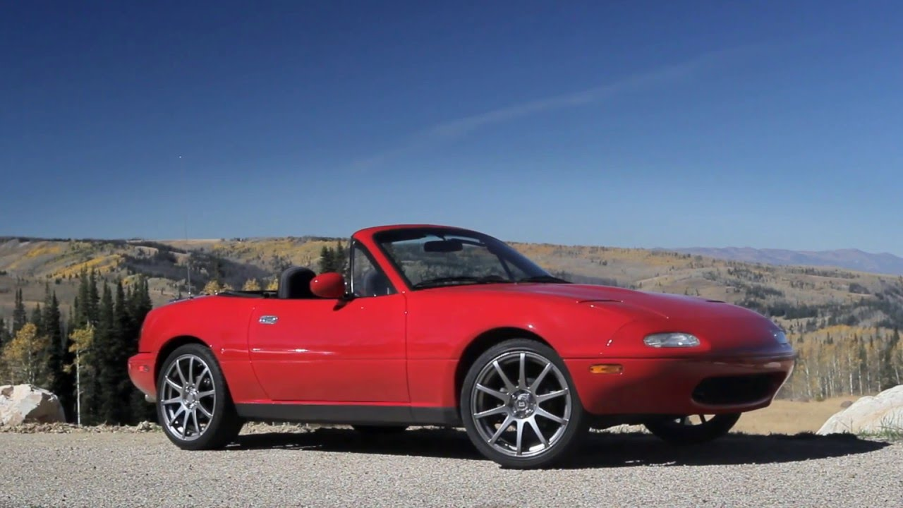 mazda miata mx5 1st gen na sights sounds beauty exhaust fly by youtube. Black Bedroom Furniture Sets. Home Design Ideas