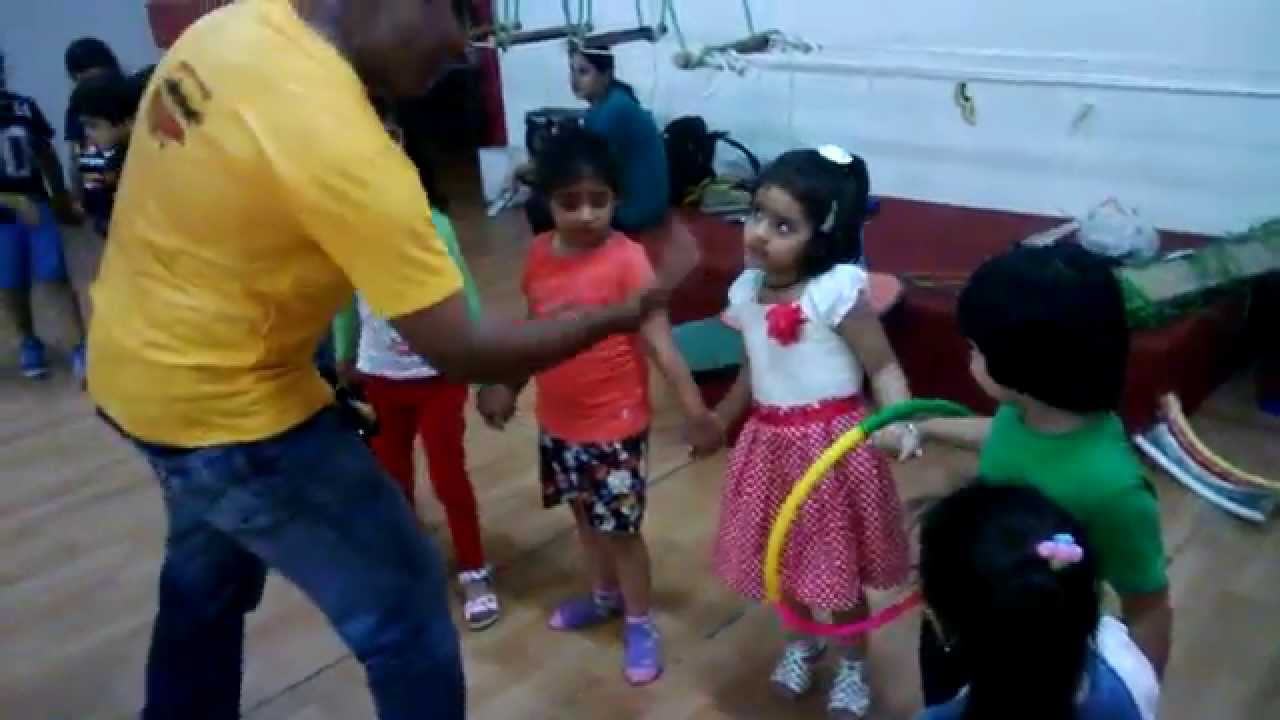 Team Building Game for Kids - YouTube