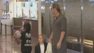 Brad Pitt and Angelina Jolie arrive with their children in Japan