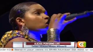 10 over 10 inteview with Congolese artist Alicios, Live performance
