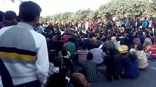 सूरजपुर ग्रेटर नोएडा में भयंकर जाम। road jaam in surajpur greatar noida. thumbnail