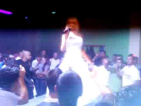 Sexy Braileanca in Club Ella din Podenii Vechi part 1 by Tiganu
