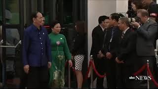 Khoảnh khắc Apec #3: Chủ tịch nước Trần Đại Quang và phu nhân đến dự yến tiệc