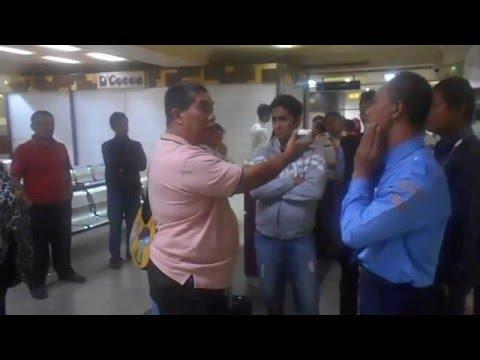 kericuhan kecil di bandara Hang Nadim Batam 29-3-16 part2