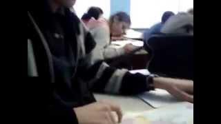 смешные видео,когда нечего делать на уроке!!!(, 2015-02-07T08:43:31.000Z)