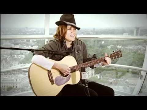 Cerys Matthews - Ei Di'r Deryn Du (Live on the London Eye) [HD]