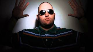 Watch Bubba Sparxxx Hootnanny video