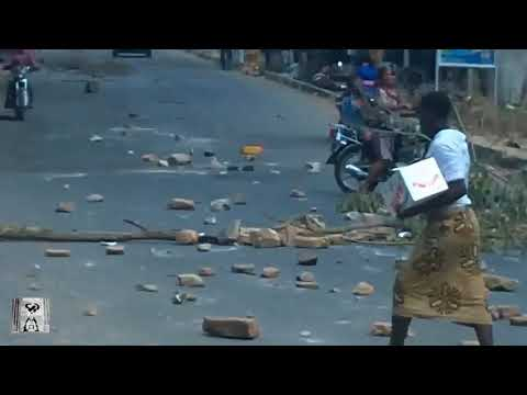 The major streets of Togo are blocked due War -  Lord G TV