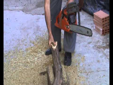 Hacer estacas de acacia muy duraderas para cercar fincas - Estacas de madera para cierres ...