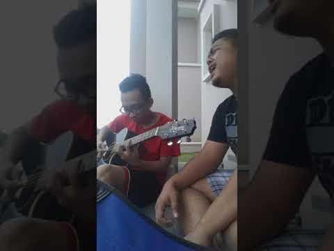 Naif - Dimana Aku Disini ( Cover Guitar and vokal )