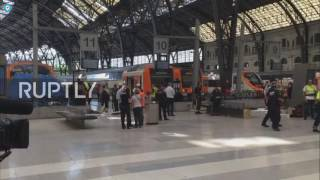Spain: 48 injured after train crashes into station in Barcelona thumbnail