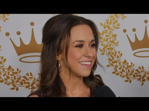 Lacey Chabert Talks 'Party of Five' Reboot! (Exclusive)