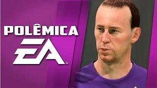 Jogador de futebol corneta EA e a estátua caríssima do Homem Aranha