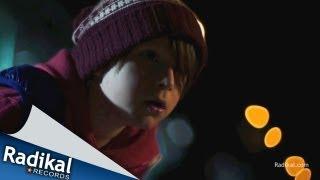 Смотреть клип Gromee Feat. Andreas Moe - Gravity