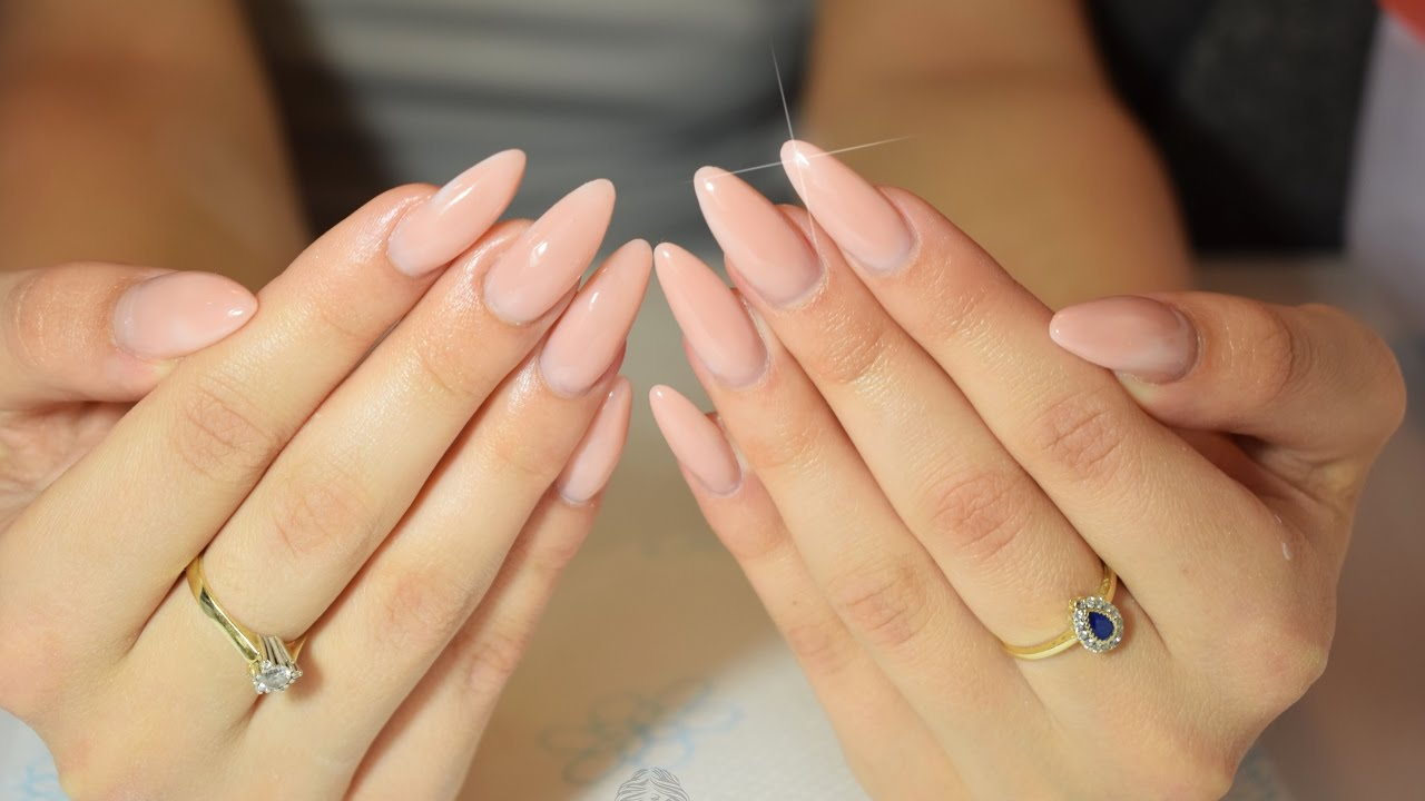 almond shaped gel nails