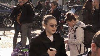 EXCLUSIVE : Gigi Hadid taking the Eurostar to leave Paris