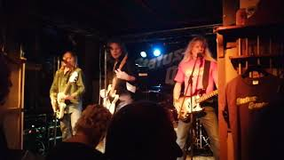 Status Quotes - Nightride (Live at Ma Kelly's, Frieschepalen on 12-10-2019)