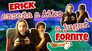Erick le enseña a Aiko a jugar FORNITE