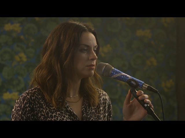 Amy Macdonald - The Human Demands (The Roost Acoustic Session)