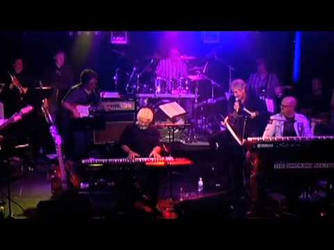 Tim Akers & The Smoking Section w/Michael McDonald- Takin ...