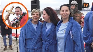 Žene plivaju za časni krst - Bogojavljenje Grocka 2018 | Mondo TV