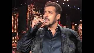 Salman Khan singing Main Hoon Hero Tera song at IIFA Awards 2017 | Salman Khan
