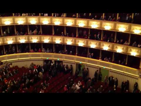 A quick video of the Vienna State Opera House