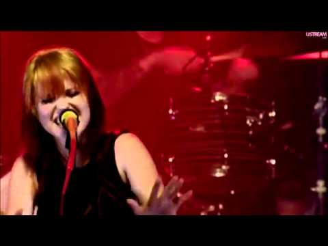 Monster - Paramore (Live At FBR15)