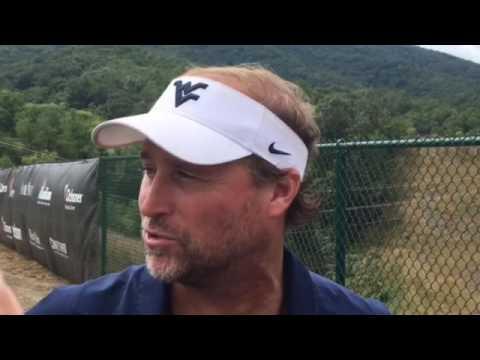 West Virginia head coach Dana Holgorsen takes son to watch ...