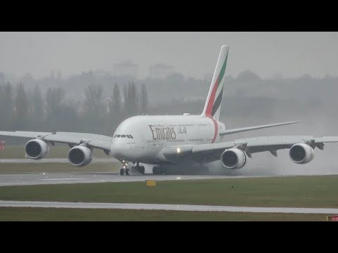 Impressive WET landing and take-off Emirates A380 - Plane spotting at Birmingham airport