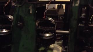 Производство профильной трубы видео 3(После сварки и выхода из холодильника, труба проходит калибровку, это четыре короны с роликами которые..., 2016-09-24T19:30:12.000Z)