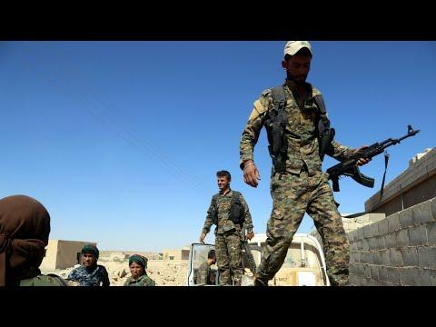 الرقة: استسلام مئة عنصر من تنظيم -الدولة الإسلامية- وإعلان نقلهم خارج المدينة  - 10:22-2017 / 10 / 16