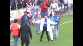 Sunderland fans smash York city ground