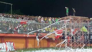 Yel-yel Suporter Madura United Tanpa Jeda