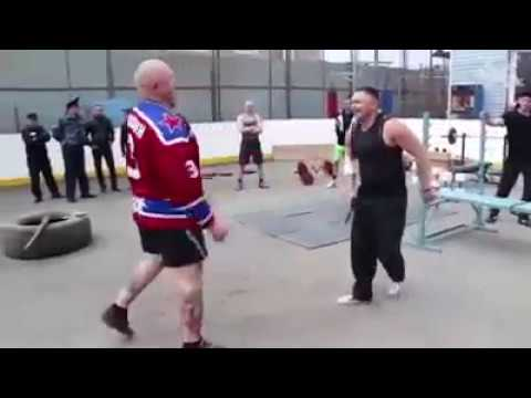 спортивные парни на зоне видео