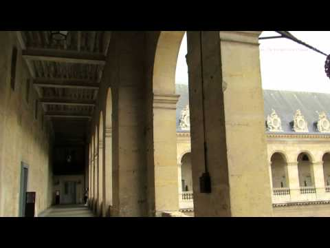 Walk around the Place Des Invalides in Paris - L'Hôtel national des Invalides4