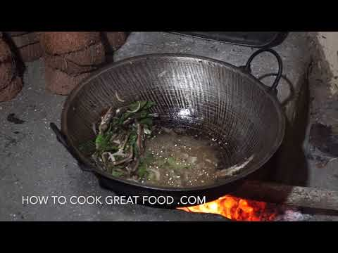 🎥 Sri Lankan Cooking - Traditional Kitchen - Food Travel Blog - Sri Lanka Vlog - Dried Fish Curry