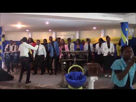 Il est mon ami fidel - Avec Cecilia Angela Ogoula Tiye et le groupe Tehillah