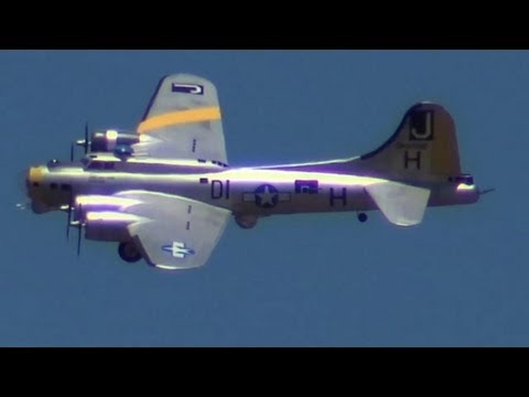 Mikes Giant RC B-17 Flying at the SCCMAS Air Show 2013