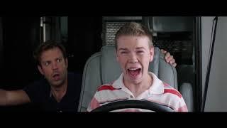 Паук Укусил за Яйцо ... отрывок из фильма (Мы - Миллеры/We're The Millers)2013