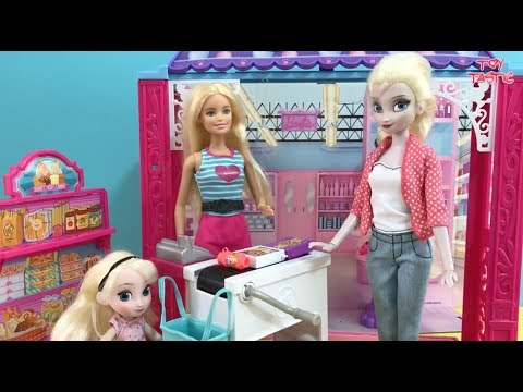 Shopping! Elsa and Anna shop at Barbie's Mall! Dress Up Cinema Candy Toy Hunt!