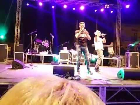 Gemelli diversi live sambuca di sicilia un attimo ancora 22 05 2017 youtube - Gemelli diversi un attimo ancora ...