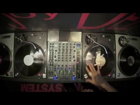 How To Mix Techno Music Using 3 and 4 decks