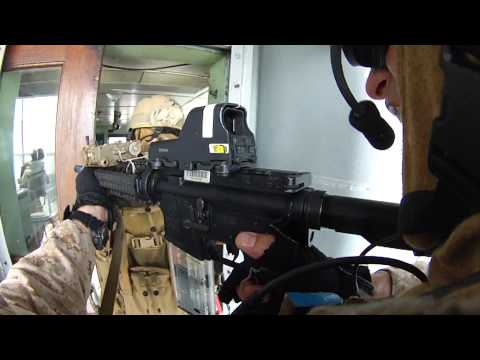 24th MEU's Maritime Raid Force conducts VBSS exercise