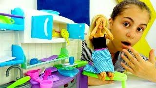 Игры в куклы - Барби в магазине мебели - Видео для девочек
