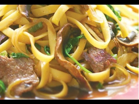 Kosher beef sukiyaki with noodles jamie geller youtube kosher beef sukiyaki with noodles jamie geller forumfinder Choice Image