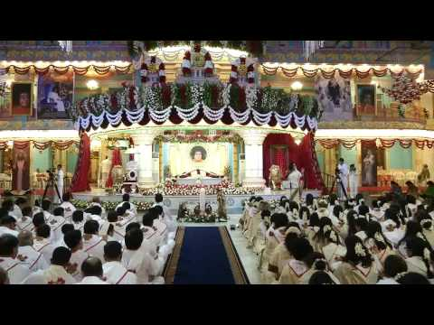 Christmas Choir by the Devotees from Canada (Early Morning) - 25 Dec 2014