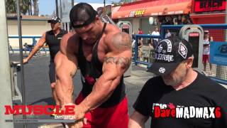 Morgan Aste trains in the Pit on Muscle Beach