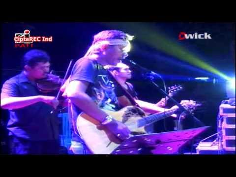 Iwan Fals - bung hatta [live konser O.A.M]
