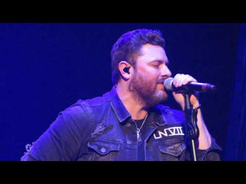 Chris Young opening the show 1/18/18 Losing Sleep BB&T Arena Highland Heights KY